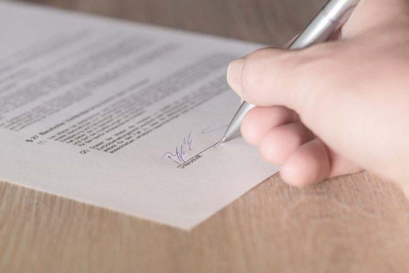 Een contract tekenen is bindend