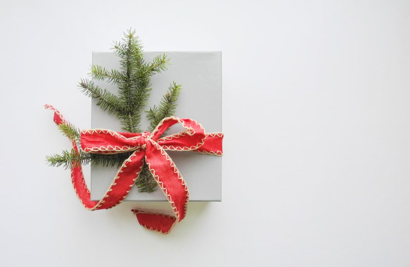 Reel Paper: Gifts for Environmentalists: A Sustainable Holiday Shopping Guide