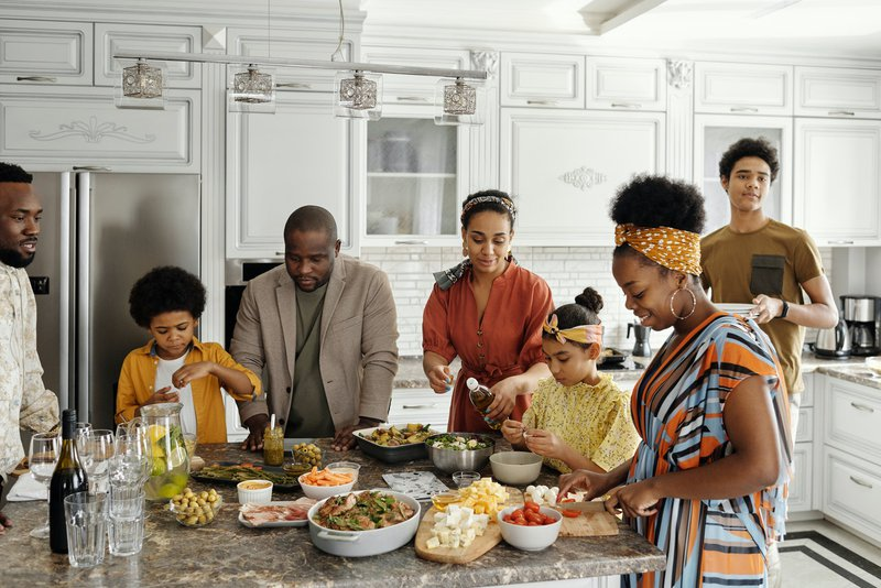 A family going green and cooking together
