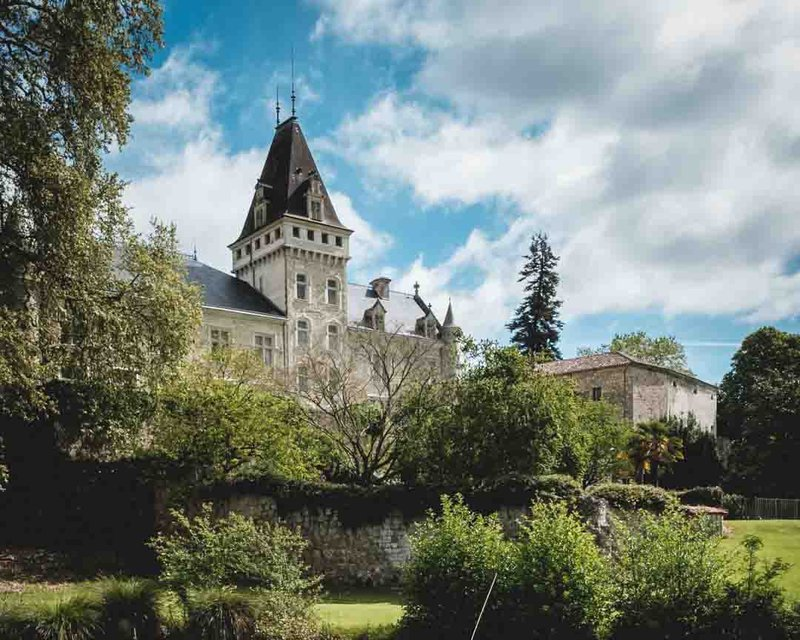 Find the Perfect French Chateau Wedding Venue - chateau de lisse grounds