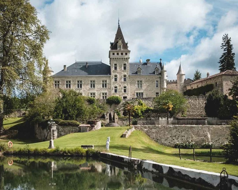 find the perfect french chateau wedding venue - chateau de lisse stunning grounds