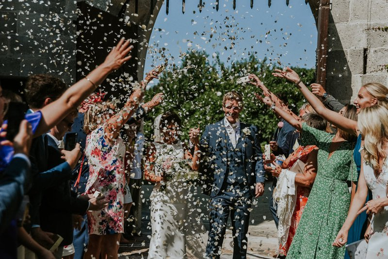 luxury wedding planner - couple with confetti