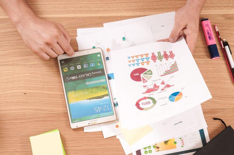tablet e gráficos de Business Design