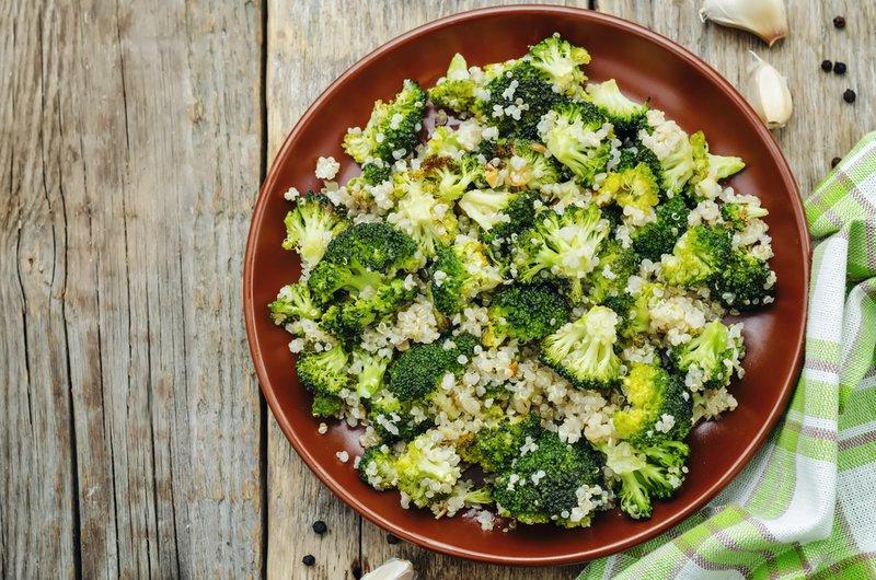 roasted garlic broccoli quinoa salad. the toning. selective focus