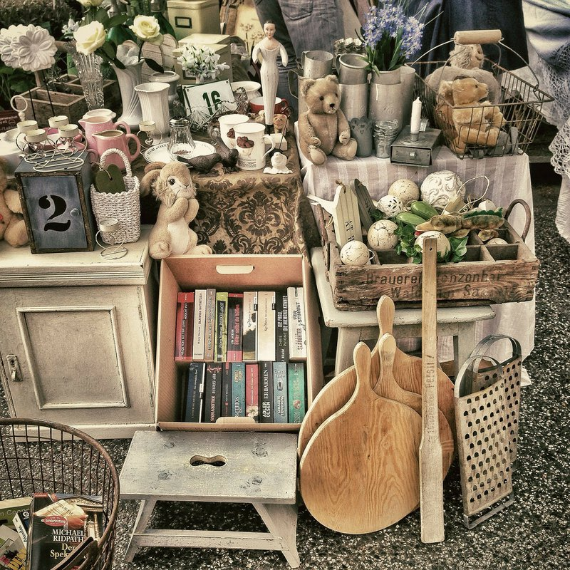 shop a flea market