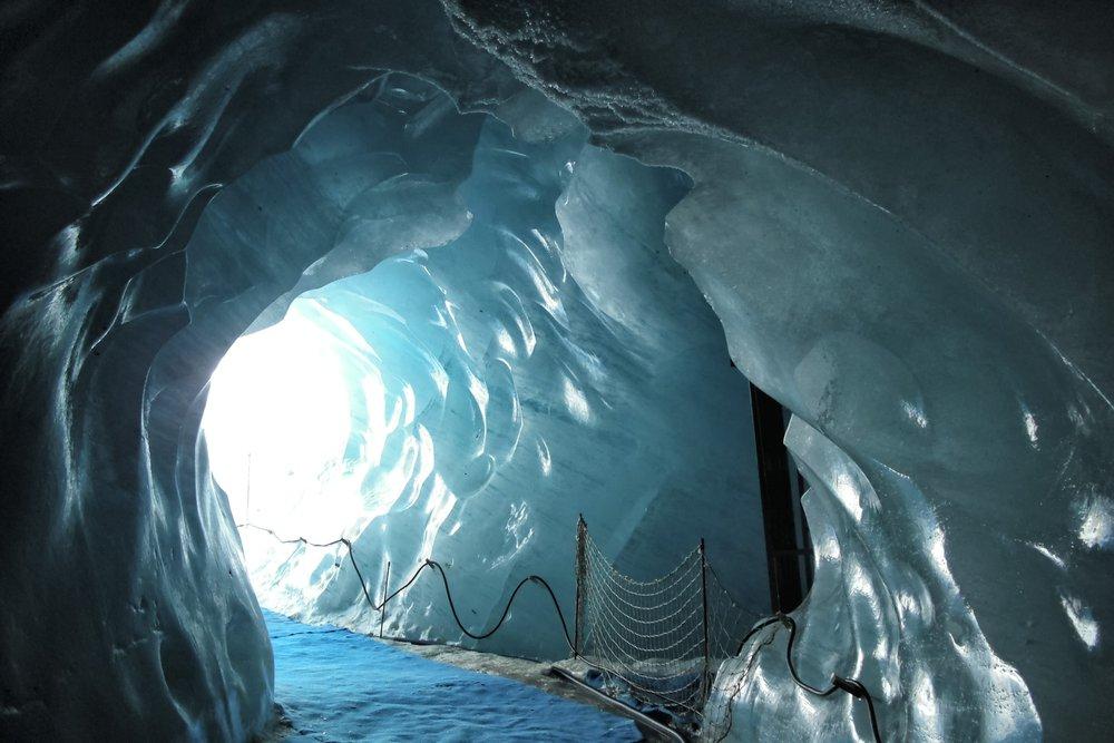 6 grottes de glace à voir en Europe