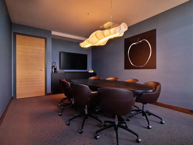 Booking engine helps book meeting rooms