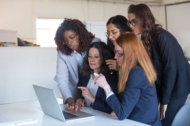 Stock photos for marketing - business people collaborating