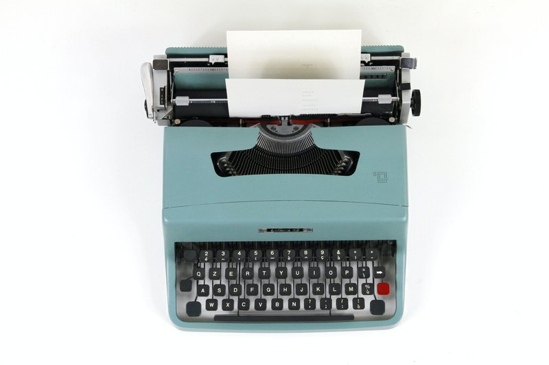 Olivetti Lettera 35, typewriter machine