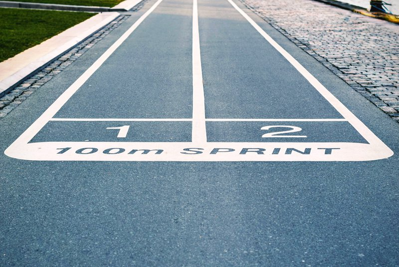 Side by side running lanes