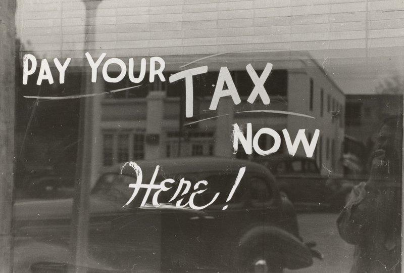 Sign, Harlingen, Texas.1939. Photographer Lee Russell, tax deadline extensions