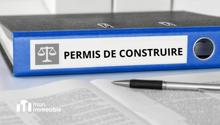 Un syndicat de copropriétaires peut avoir un intérêt à demander l'annulation d'un permis de construire sur une parcelle voisine.