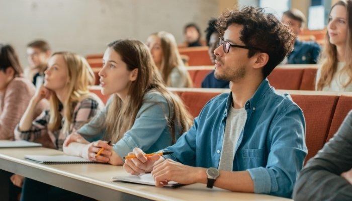 métiers de l'immobilier - étudiants à l'IMSI