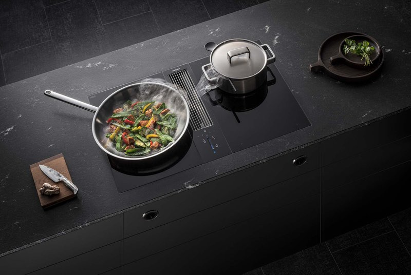 kookplaat met geïntegreerde dampkap