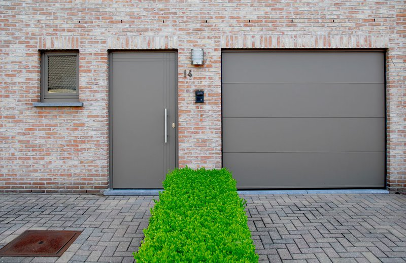 Een goed geïsoleerde en dichte voor- en achterdeur kan heel wat kopzorgen besparen