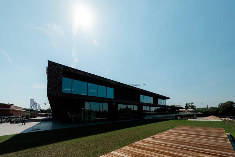 Swimming pool Kortrijk LAGO 2