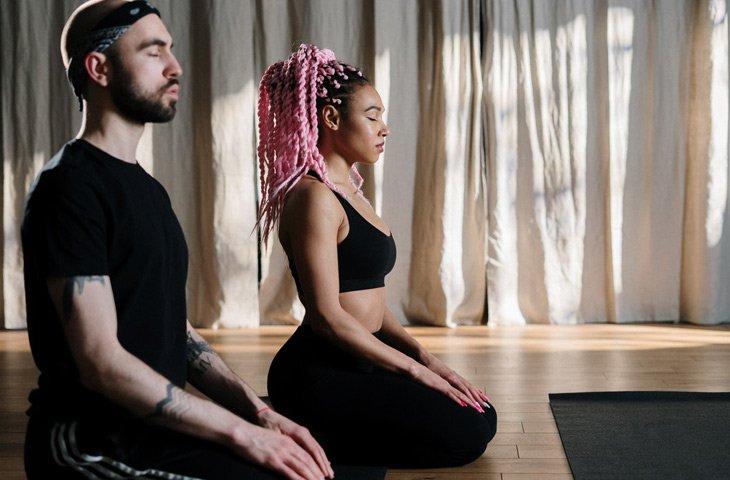 Build Successful Online Yoga Community