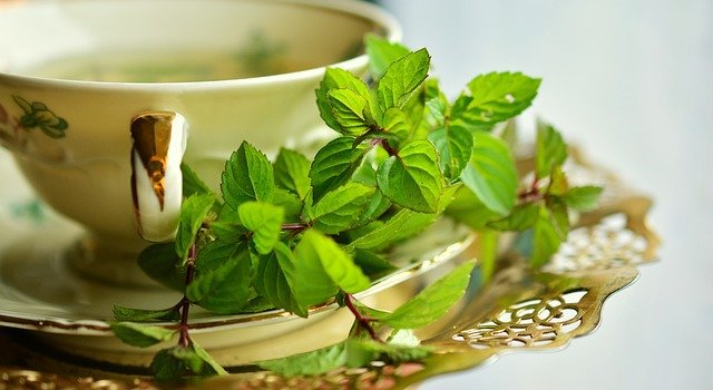 how to prepare a cup of tea for sore throat