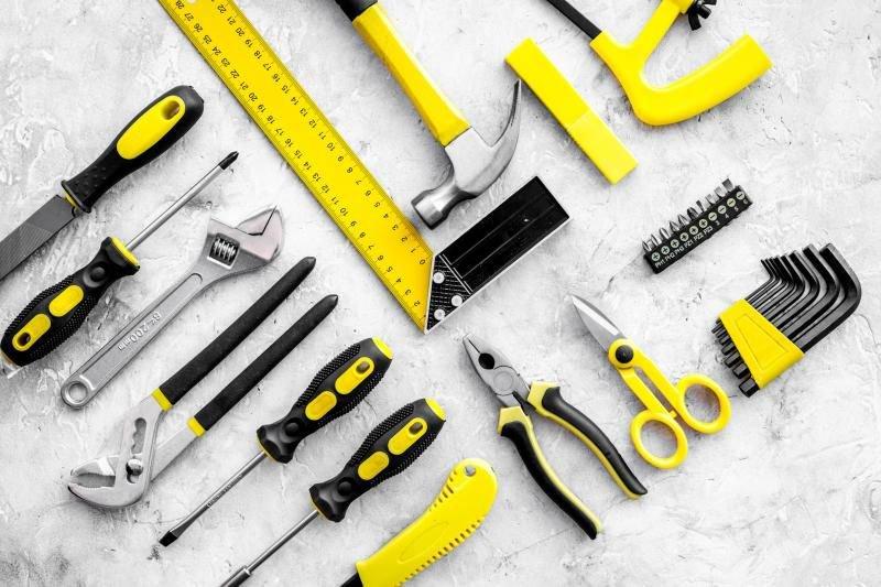 apprendre le nom des outils et bien parler