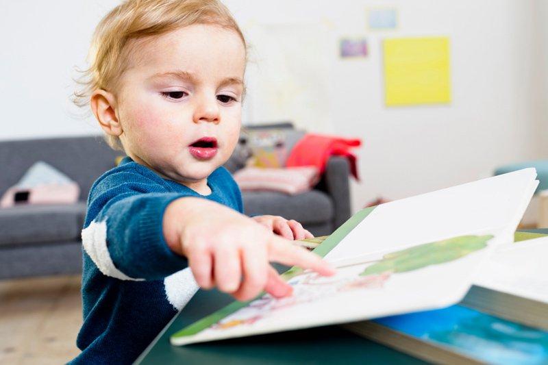 Apprendre à lire se prépare dès le plus jeune âge
