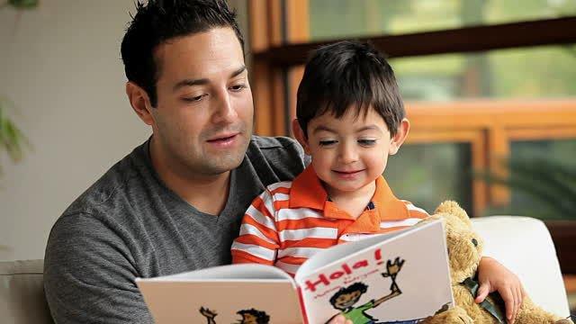 Lisez des histoires à votre enfant le plus souvent possible