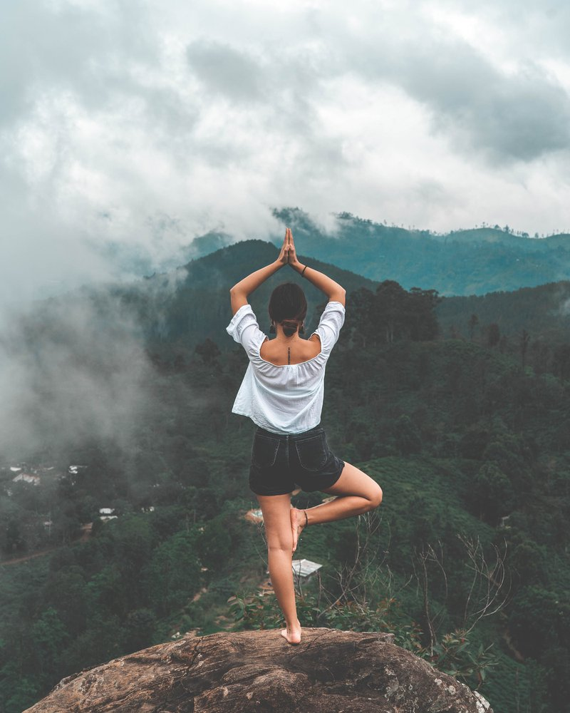 Balancing hormones - Dominique Ludwig