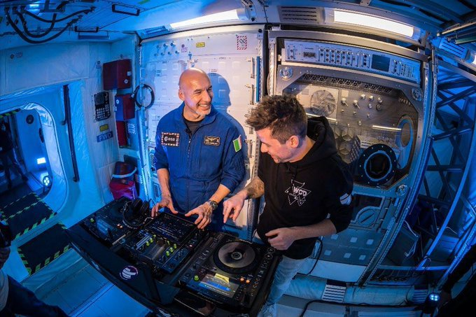 Luca Parmitano delivers set from space