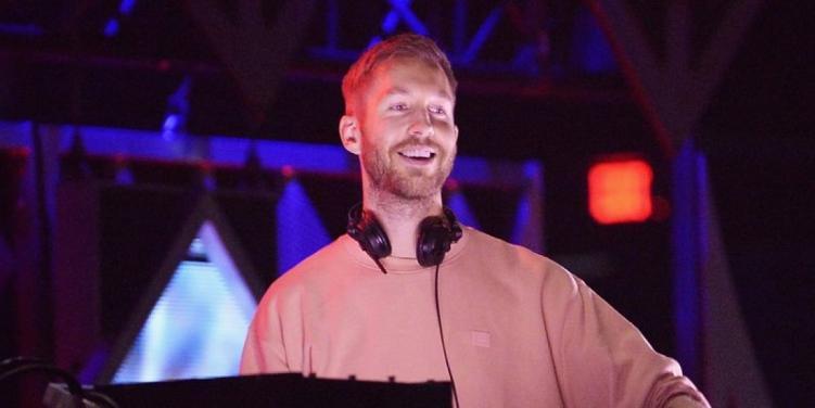 'Love Regenerator' producer Calvin Harris DJing