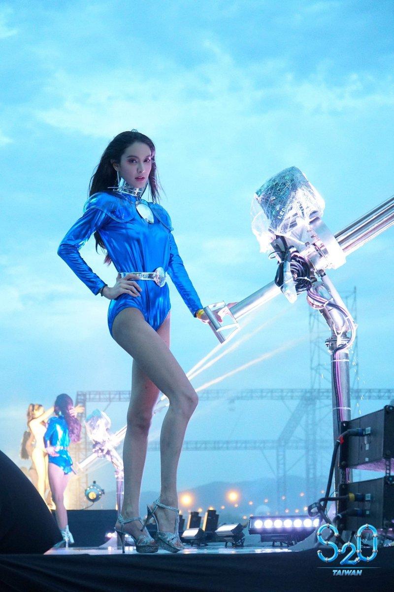 Ladyboy onstage at S2O Taiwan