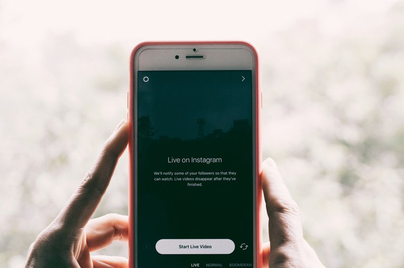 How to Promote Your Digital Business on Instagram with Gurucan go live