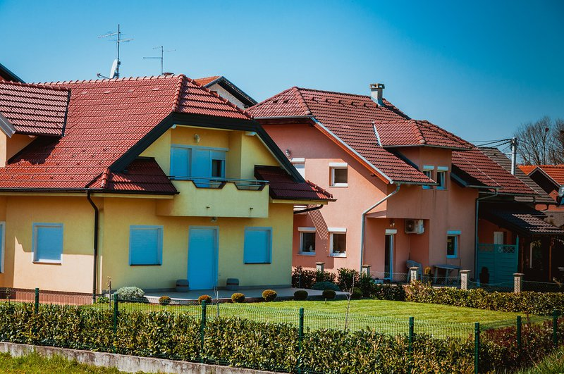 Houses With Big Backyards For Sale