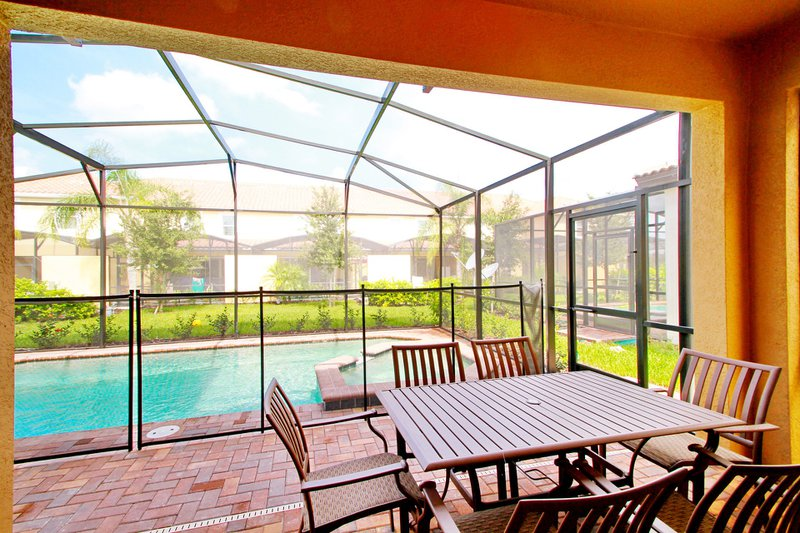 How to Get Fresh Air in Sunrooms