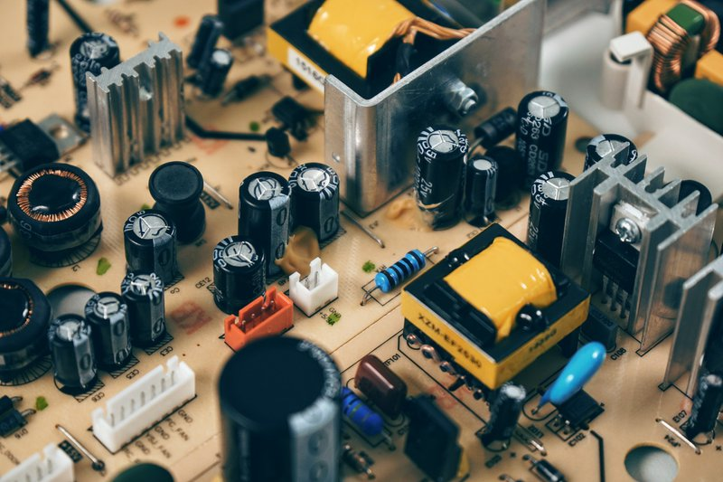What is a Capacitor in Simple Explanation