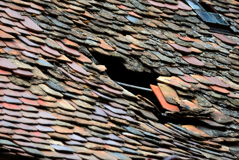 Will Homeowners Insurance Pay for a New Roof?