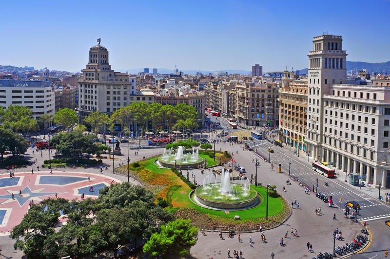 Plaça de Catalunya - Things to do In Barcelona