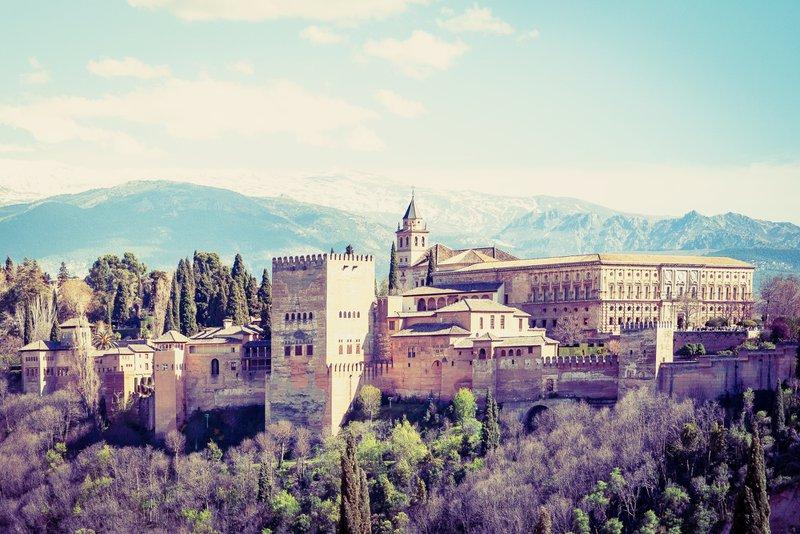 Alhambra de Granada the best student cities in Spain
