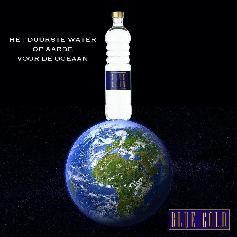 Blue Gold van KRNWTR+ in een fles van speciaal glas.