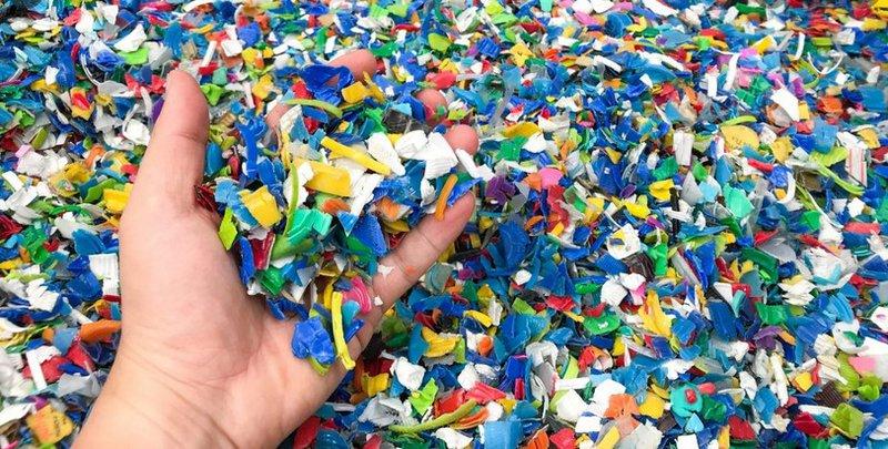 Het actieplan richt zich op een groot aantal gebieden waar de markt voor recyclaat op dit moment stagneert.