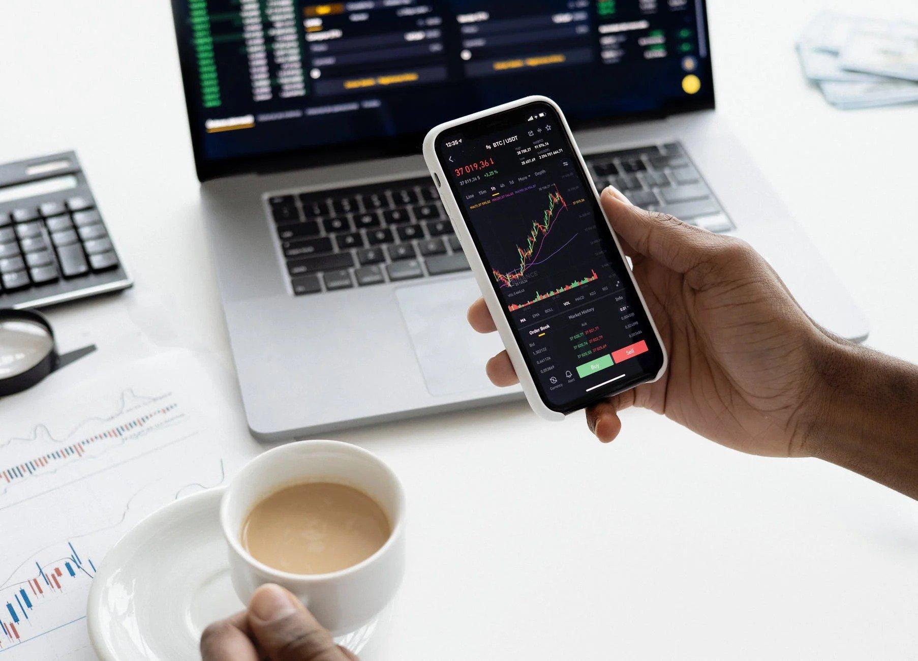 digital marketing consultant - Analyze