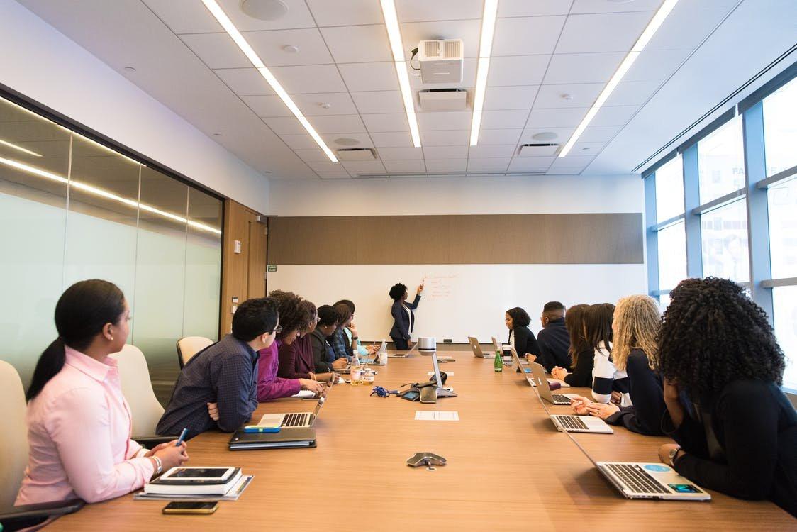 Digital Marketing Agencies in Korea - Employee on meeting