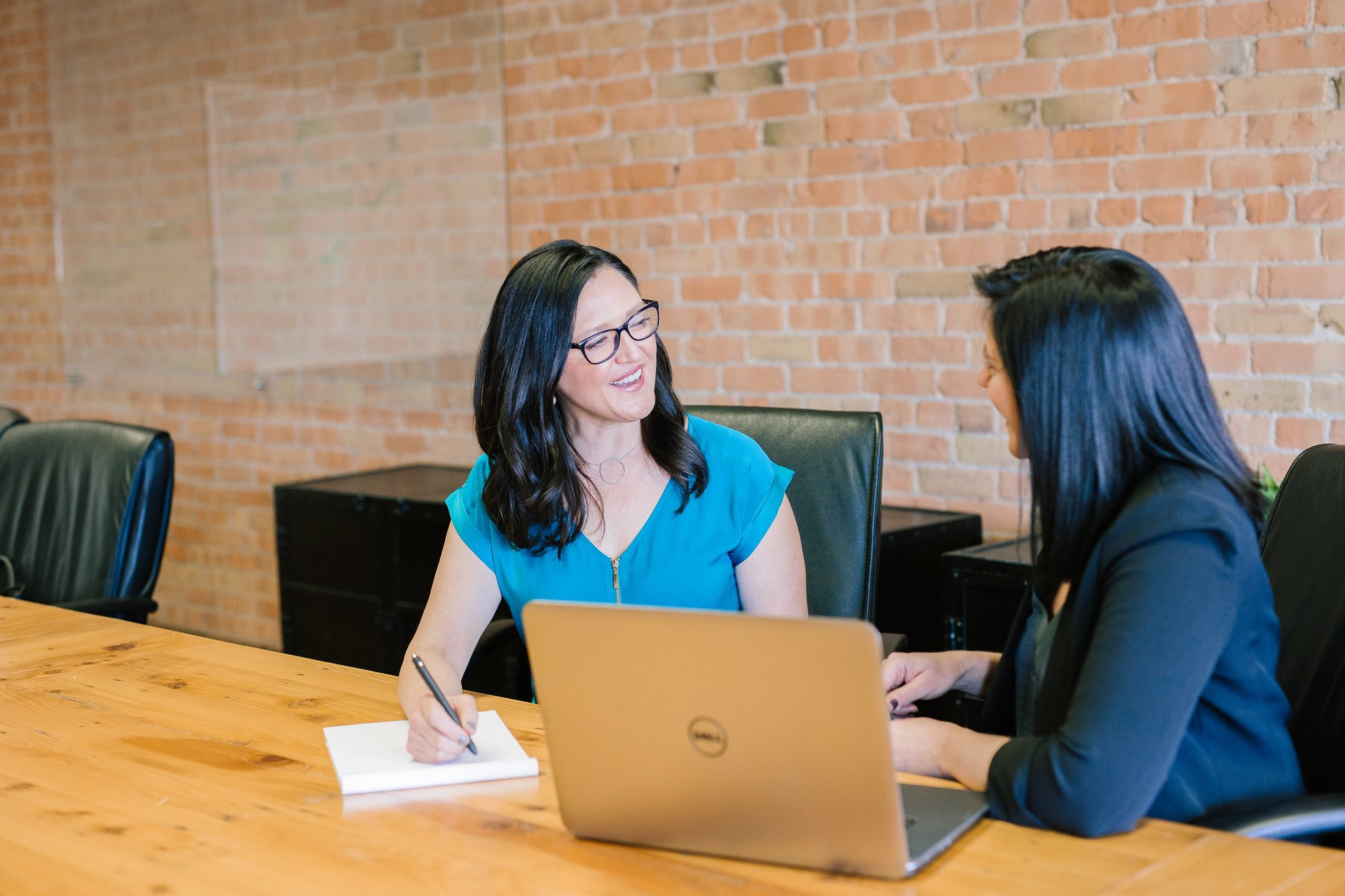 Digital Marketing Consultant - a woman consult to an expert