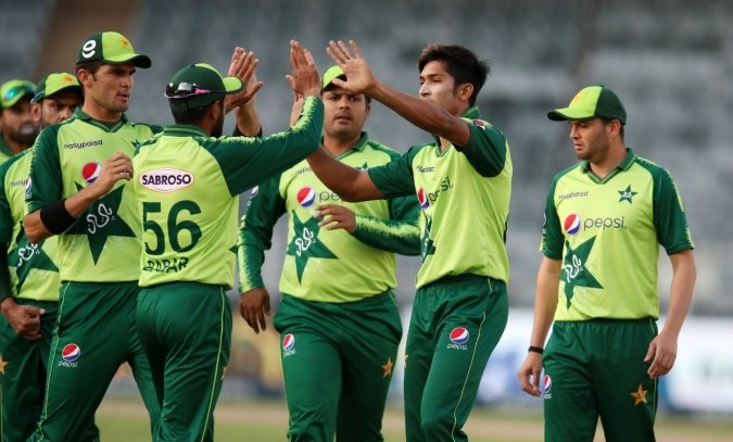 Sohail, Wasim make comeback to Pakistan's limited-overs side.