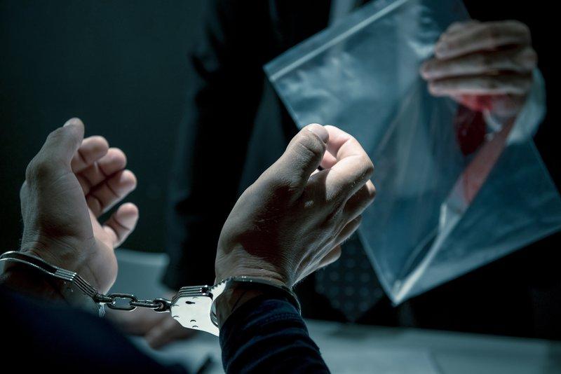 Interrogatorio policial con prueba del crimen
