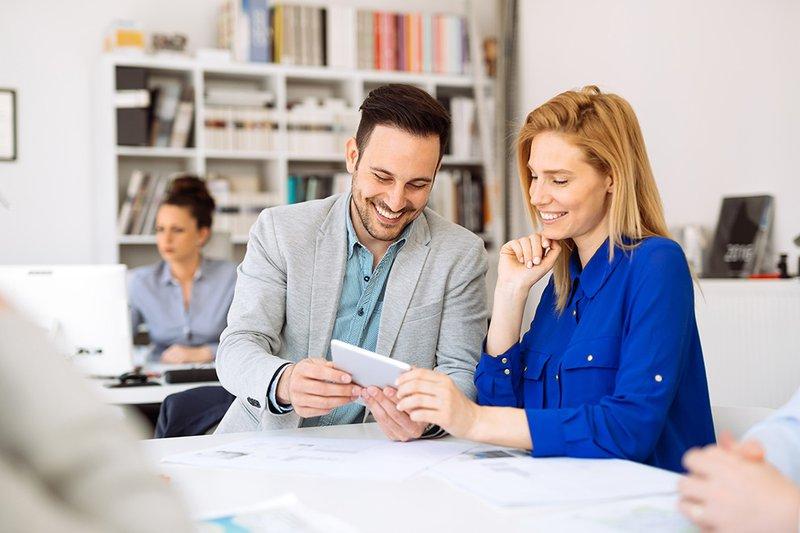 Extralegale voordelen: top 6 vormen van alternatieve verloning om jouw medewerkers te belonen