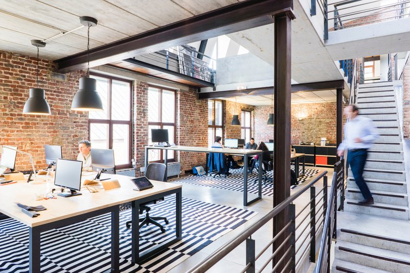 Terug naar kantoor: hoe kan het veilig, efficiënt en gemotiveerd?