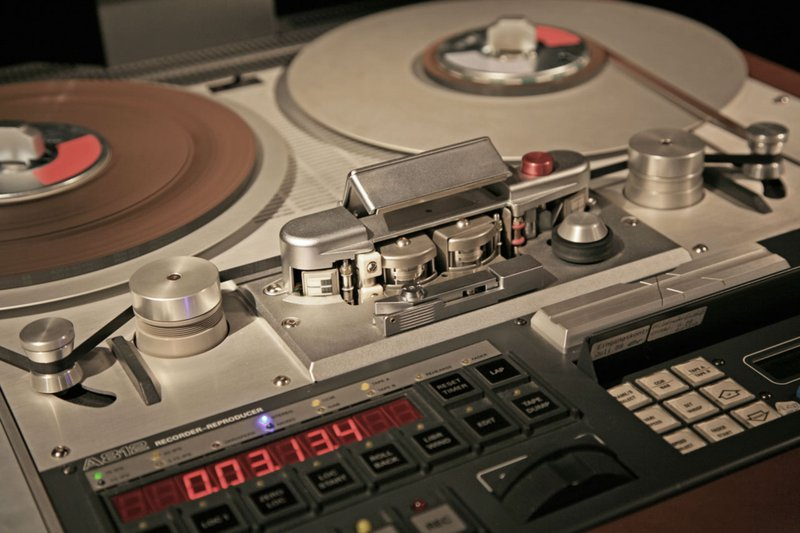 studer a812 tape machine photo