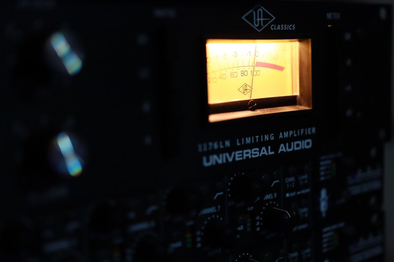 UA Universal Audio 1176 compression. Music studio gear.