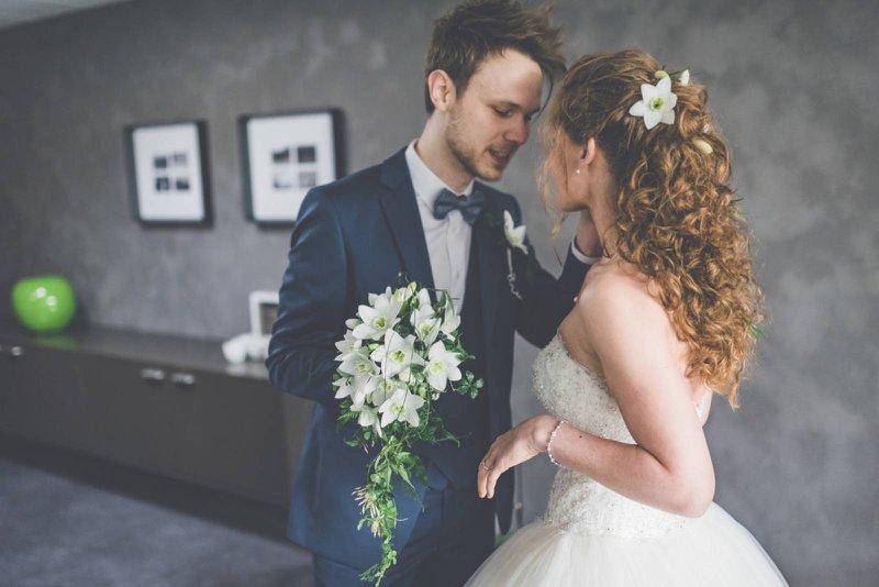 Waterval bruidsboeket huwelijk - Annick Van Wesemael - House of Weddings