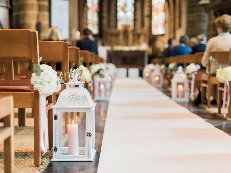7x decoratie van de kerk tijdens je huwelijk - House of Weddings
