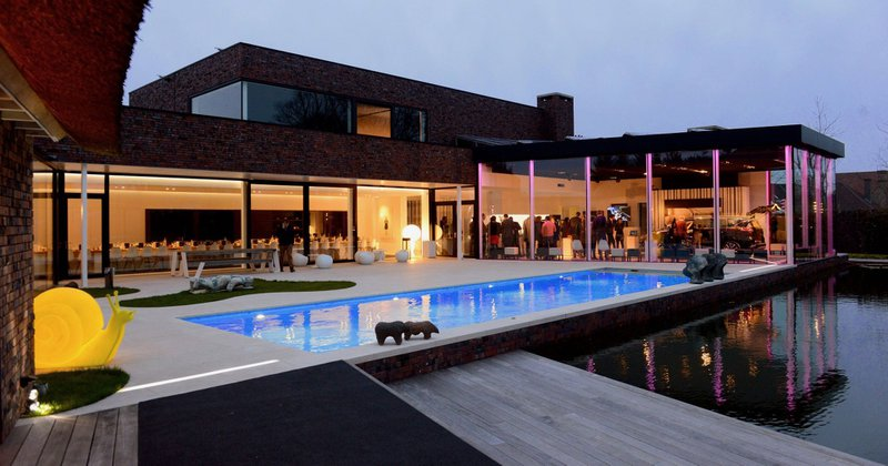 Moderne, kunstige feestzaal in Ichtegem - EventHouse - House of Weddings
